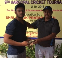 Abhishek Goswami received man of the match award from Pawan Sharma in Hargopal cricket