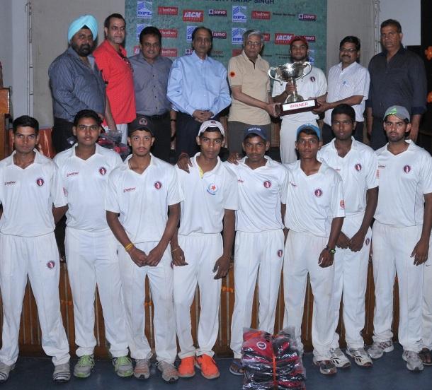 govt school winner team Ram Jas School No.2