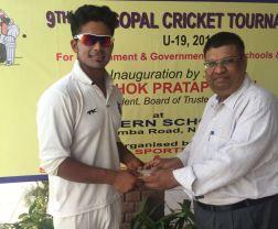 Sarthak Ranjan REceived man the match award from Raman Gupta in Hargopal cricket