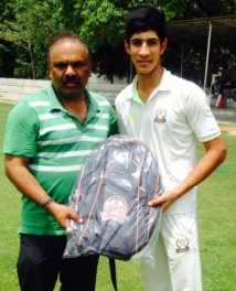 Amir Drabu received man of the match from Sanjay Bhaedwaj in TYCA Cricketr